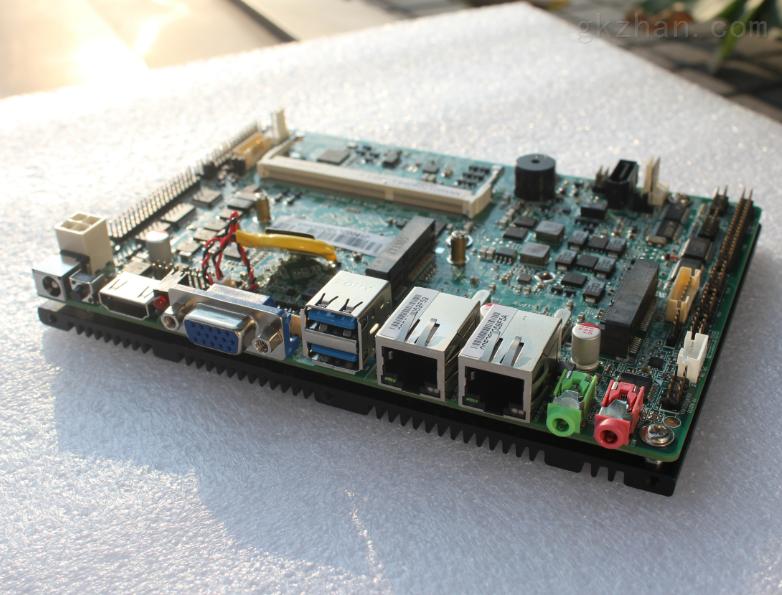 工业控制itx主板集成CPUJ1900 4核处理器2个英特尔千兆网卡10个串口10个USB口